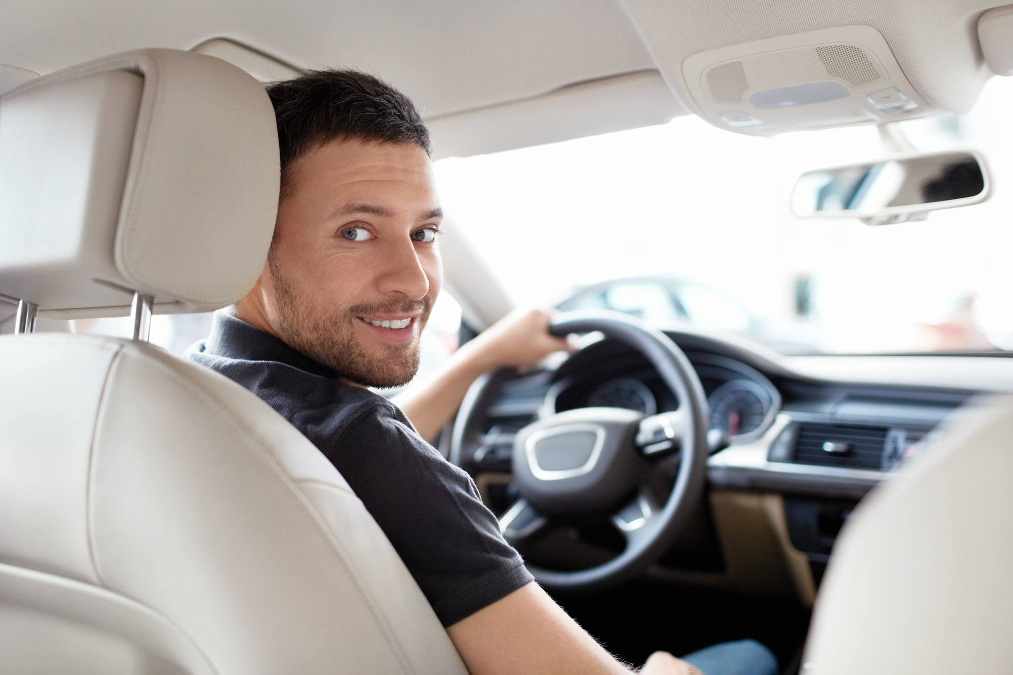 Hvordan får man råd til en bil som studerende?